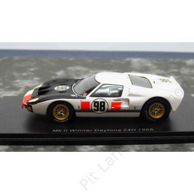 K. MILES - L. RUBY_1966_Shelby American_GT40 Mk 2