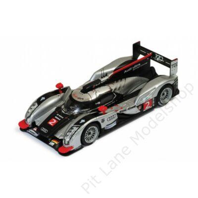 Fässler, Lotterer, Treluyer_2011_Audi Sport Team Joest_Audi R18 TDI