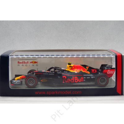 PIERRE GASLY_2019_Red Bull_RB15